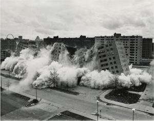 pruitt-igoe-collapses1